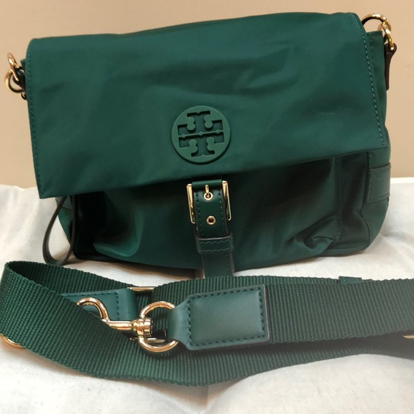 "4dc67bb5d6a1 Tory Burch ""Tilda"" nylon crossbody bag. M 5ba90845aa877062c0f4eb56"